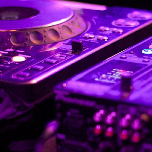 DJ pult violett