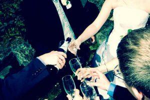 Hochzeit antoßen